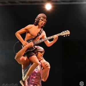 AC/DC Rock Iconz Statue 1/9 Angus & Brian 27 cm Knucklebonz UK ac/dc figures UK ac dc band figures UK rock band figures UK Animetal
